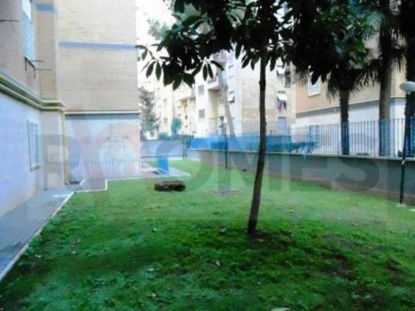 Appartamento in vendita a Roma, Giulio Agricola, Con giardino, 65 mq