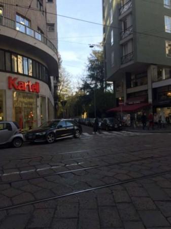 Locale Commerciale  in vendita a Milano, Turati, 200 mq - Foto 3