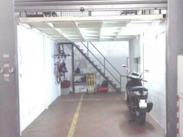 Garage in vendita a Roma, Montagnola, 23 mq