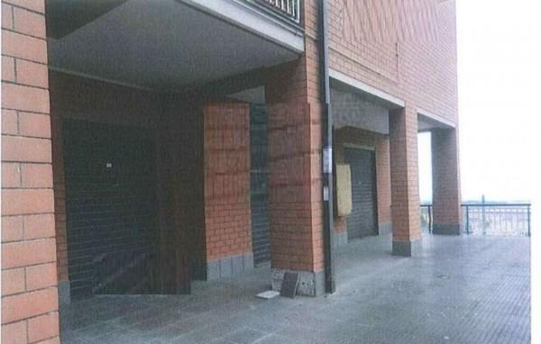 Negozio in vendita a Albano Laziale, 94 mq