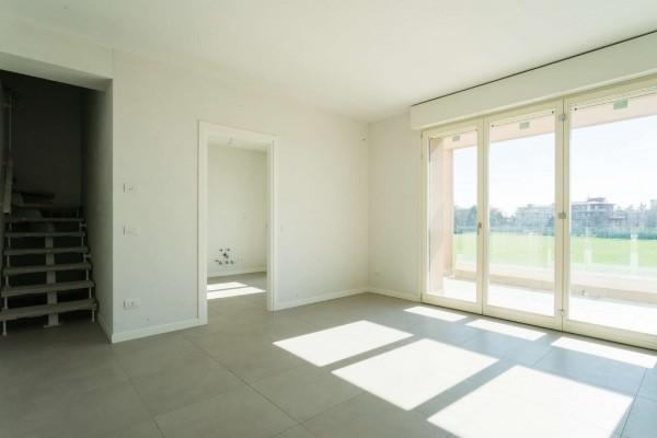 Appartamento in vendita a Cernusco sul Naviglio, Con giardino, 154 mq