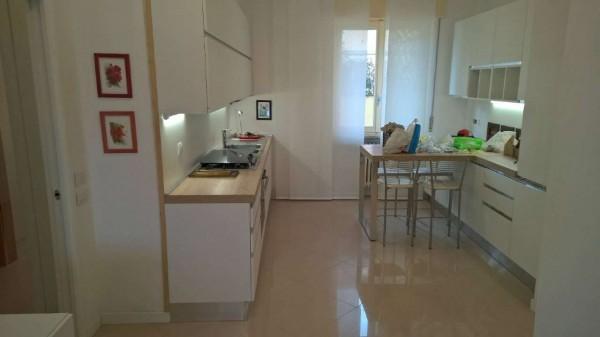Appartamento in affitto a Magenta, Centrale, Arredato, con giardino, 120 mq