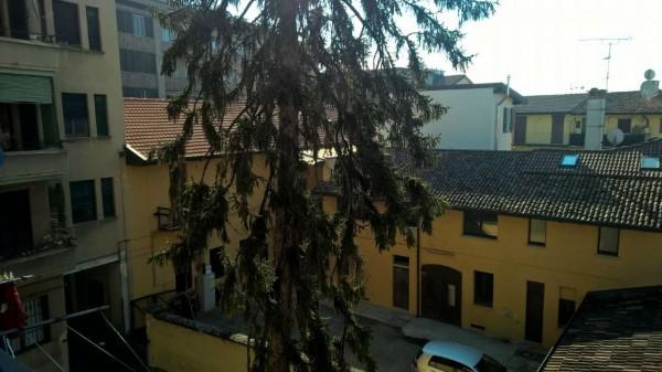 Appartamento in affitto a Magenta, Centrale, Arredato, con giardino, 40 mq