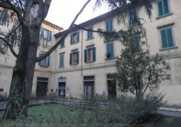 Appartamento in vendita a Prato, Con giardino, 129 mq