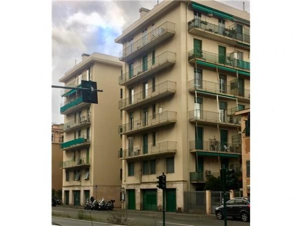 Appartamento in vendita a Genova, Quinto, 90 mq