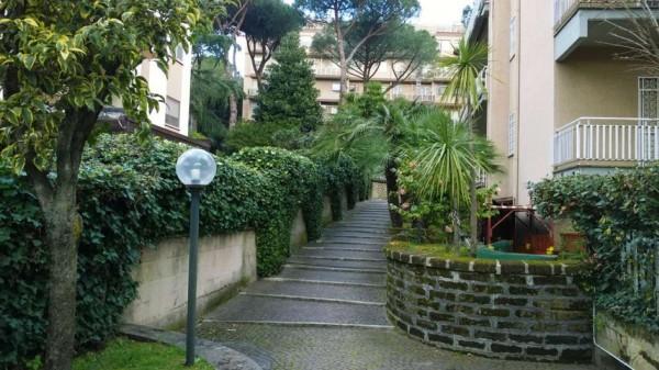 Appartamento in vendita a Roma, Mostacciano, Con giardino, 85 mq