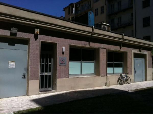 Locale Commerciale  in vendita a Torino, 300 mq - Foto 1