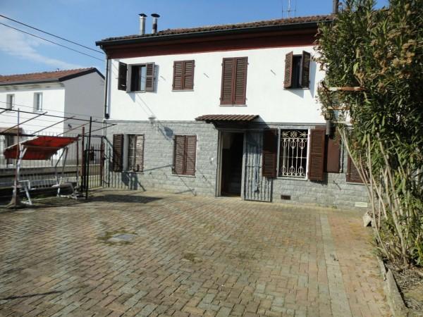 Villetta a schiera in vendita a Alessandria, Cabanette, Con giardino, 240 mq