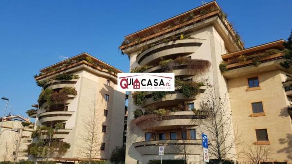 Appartamento in affitto a Nova Milanese, Via Diaz, Con giardino, 65 mq
