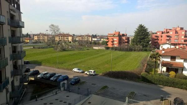 Appartamento in affitto a Corbetta, Semi-centrale, Con giardino, 85 mq