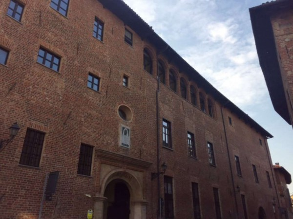 Appartamento in vendita a Chieri, 60 mq
