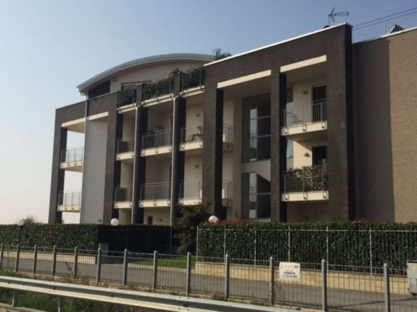 Appartamento in vendita a Chieri, 68 mq