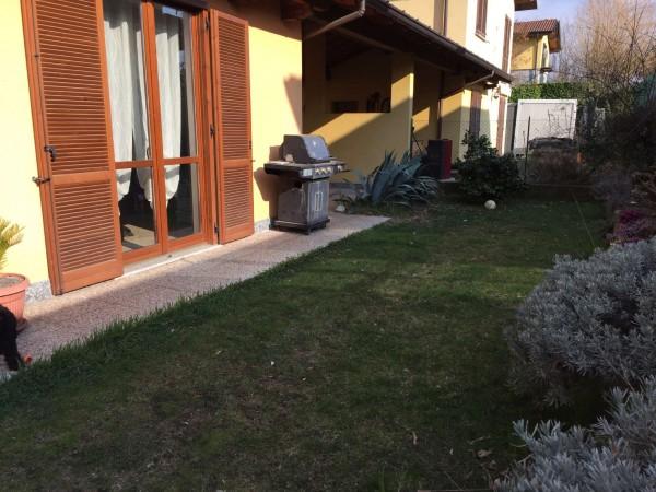 Villa in vendita a Cocquio-Trevisago, Con giardino, 110 mq