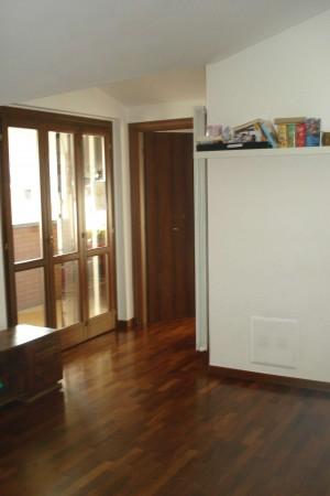 Appartamento in vendita a Caronno Pertusella, Con giardino, 55 mq
