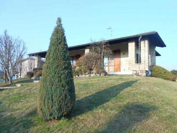 Villa in vendita a Pandino, Residenziale, Con giardino, 419 mq