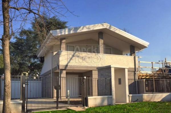 Villa in vendita a Cassano d'Adda, Villa Nuova, Con giardino, 131 mq