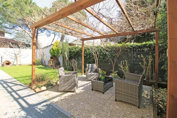 Appartamento in vendita a Vaprio d'Adda, Con giardino, 90 mq