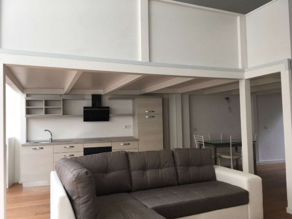 Appartamento in vendita a Milano, Piazza Firenze, Arredato, 120 mq