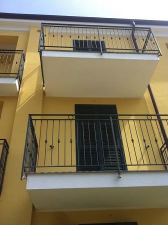Appartamento in vendita a Imperia, 55 mq