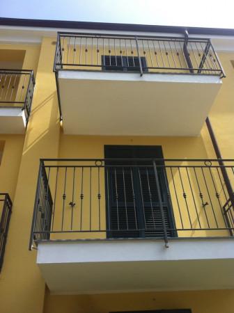 Appartamento in vendita a Imperia, 45 mq