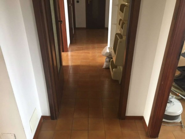 Appartamento in vendita a Alessandria, Villaggio Borsalino, 105 mq