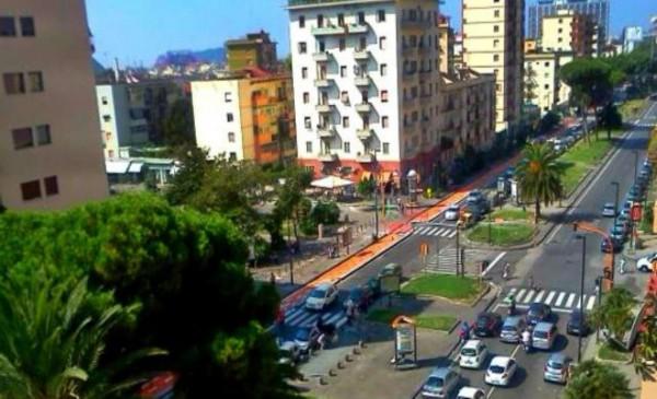 Appartamento in vendita a Napoli, 100 mq