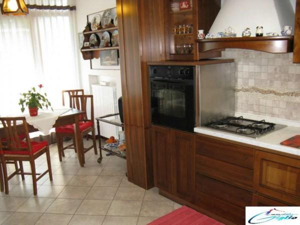 Appartamento in vendita a Padova, Con giardino, 190 mq