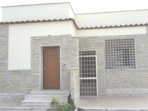 Villa in vendita a Roma, Due Leoni, Con giardino, 100 mq