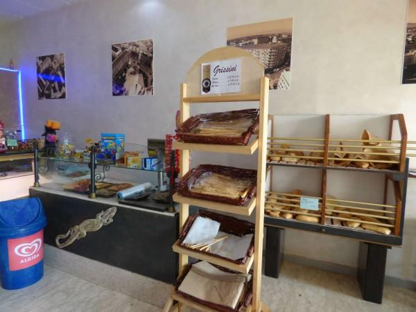 Locale Commerciale  in vendita a Borgaro Torinese, Centro, Arredato, 40 mq - Foto 2