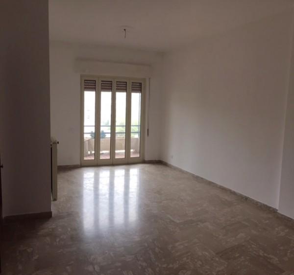 Appartamento in affitto a Imperia, 90 mq