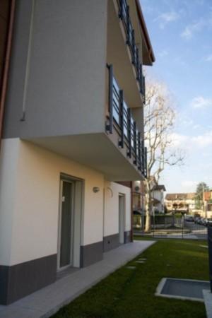 Appartamento in vendita a Cernusco sul Naviglio, Con giardino, 117 mq