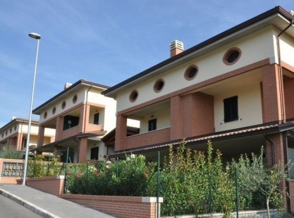 Appartamento in vendita a Perugia, San Martino In Colle, 90 mq - Foto 1
