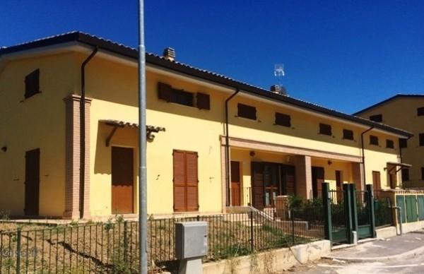 Villetta a schiera in vendita a Perugia, San Marco, Con giardino, 220 mq - Foto 1