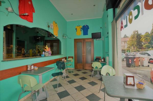 Locale Commerciale  in vendita a Rivoli, Arredato, 110 mq