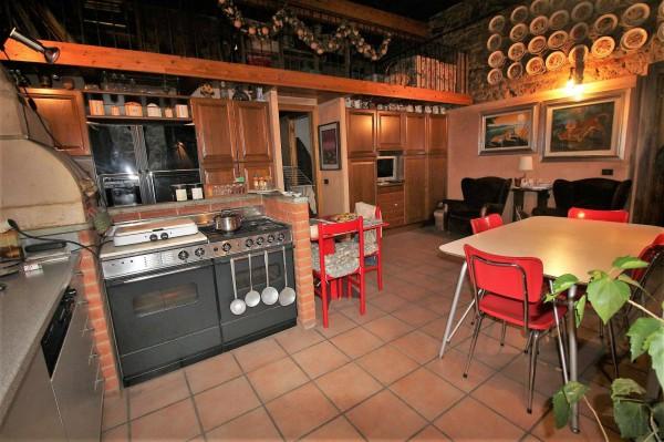Casa indipendente in vendita a Alpignano, Centro Storico, Con giardino, 270 mq