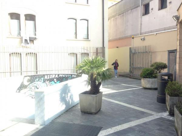 Ufficio in affitto a Varese, 100 mq