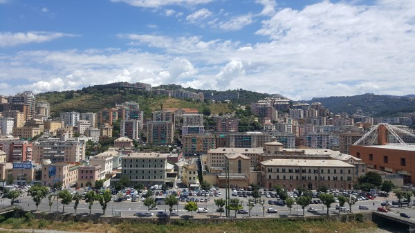 Appartamento in vendita a Genova, Marassi, 90 mq