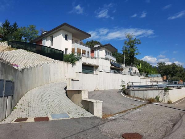 Villa in vendita a Clivio, Con giardino, 220 mq