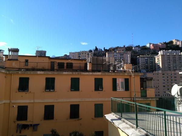 Appartamento in vendita a Genova, Oregina, 50 mq
