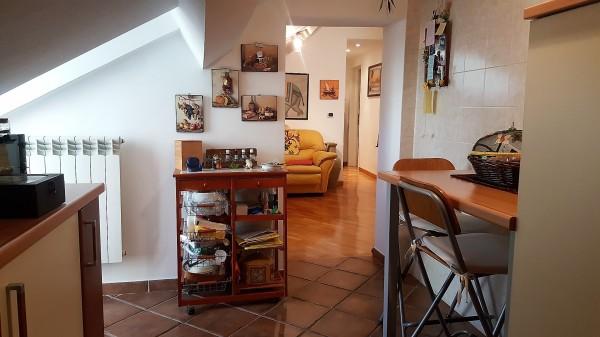 Appartamento in vendita a Genova, Rivarolo, 65 mq