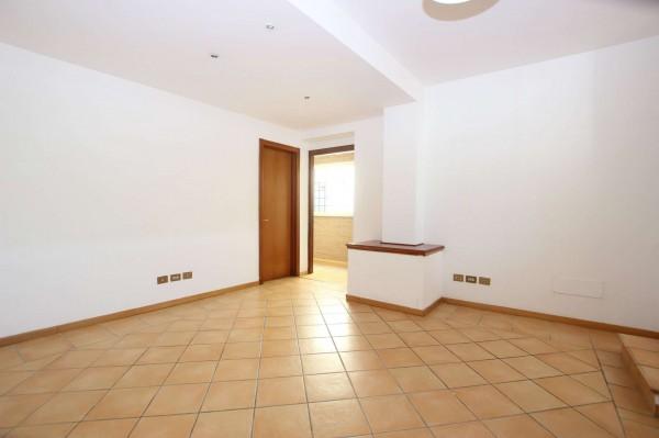 Appartamento in vendita a Roma, Valle Muricana, 75 mq