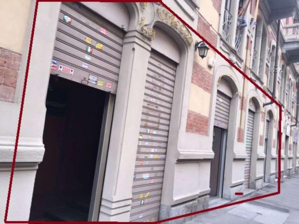 Locale Commerciale  in vendita a Torino, 180 mq