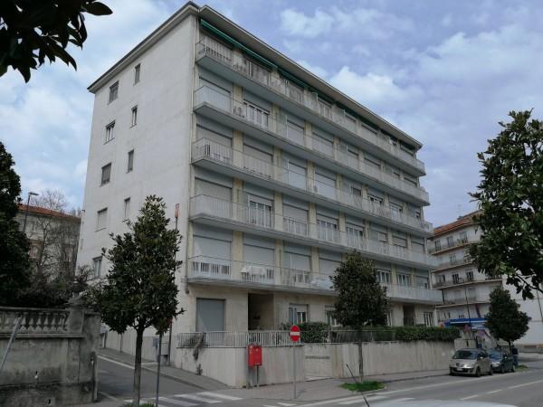 Appartamento in vendita a Asti, Nord, 105 mq
