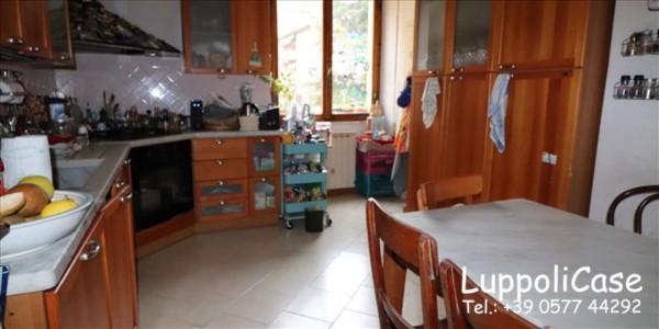Appartamento in vendita a Siena, Con giardino, 157 mq