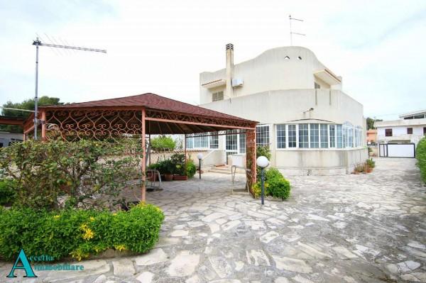 Villa in vendita a Taranto, Residenziale, Con giardino, 195 mq