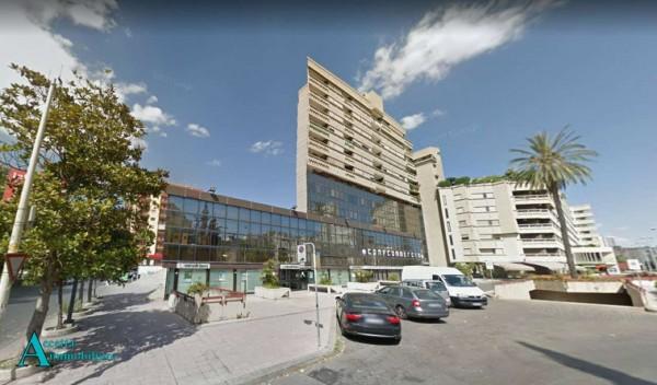 Locale Commerciale  in affitto a Taranto, Semicentrale, 420 mq - Foto 3