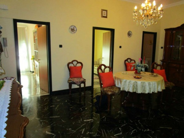 Appartamento in vendita a Genova, Sampierdarena, 110 mq