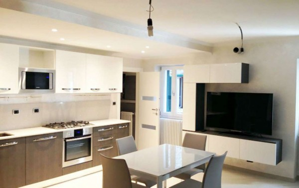 Appartamento in vendita a Milano, Bande Nere, Con giardino, 45 mq