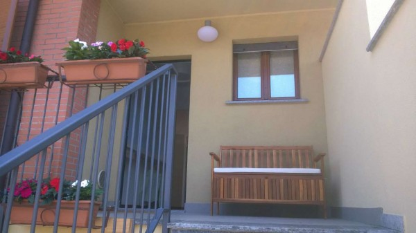 Villetta a schiera in vendita a Corbetta, Corbetta, Con giardino, 240 mq - Foto 2