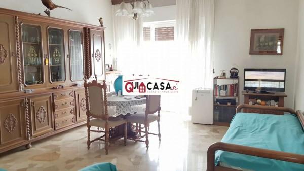 Appartamento in vendita a Lissone, Arredato, con giardino, 83 mq